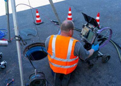 Kanalsanierung - Schadensermittlung mit dem Kamerasystem der Firma Kummert.